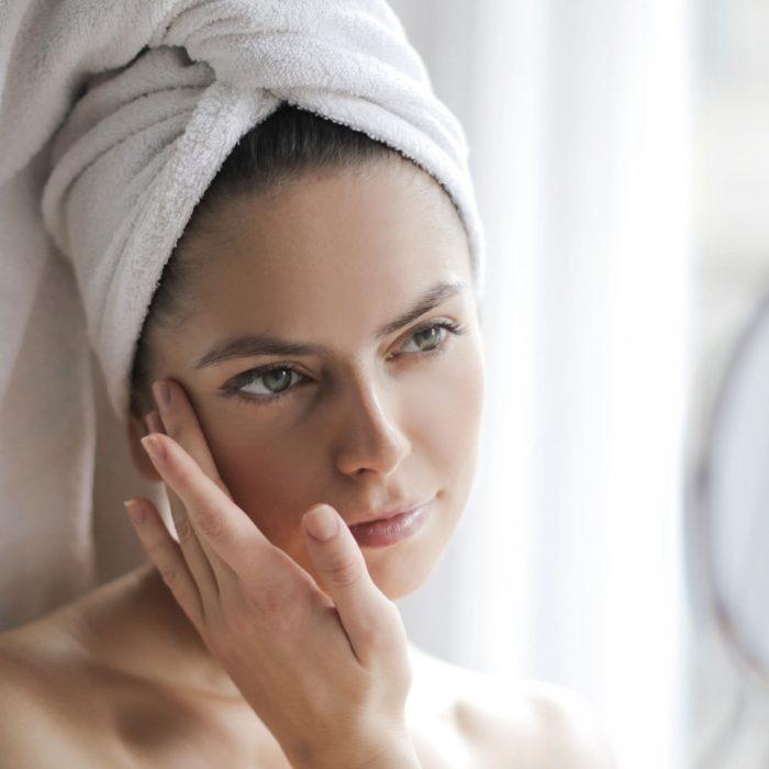 Quels actifs pour ralentir efficacement le vieillissement de la peau ?